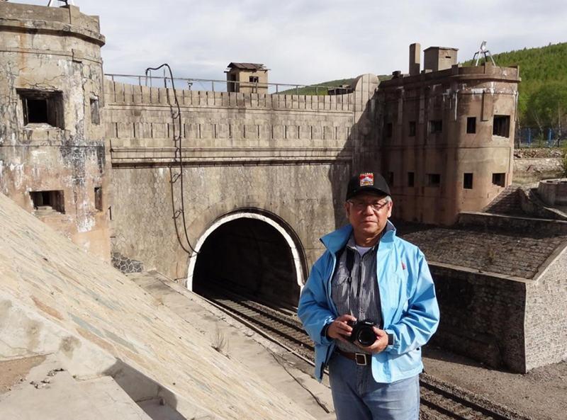 2013年5月,郑琦老师再次考察中东铁路兴安岭隧道