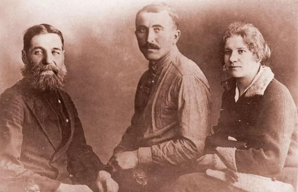 弗拉基米尔·阿布拉姆斯基的父母及祖父