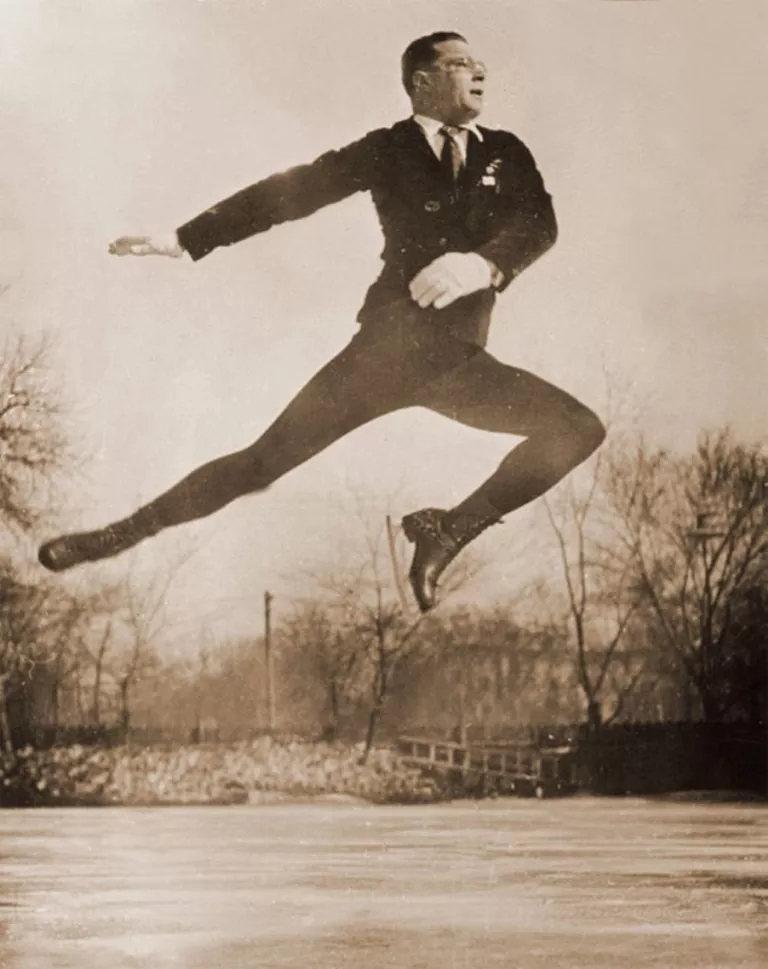 弗拉基米尔·阿布拉姆斯基1939年获哈尔滨花样滑冰冠军